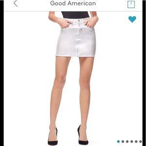 ✨Good American Iridescent Mini Skirt New✨